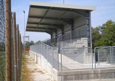 Realizzazione copertura tribuna campo di calcio – Azzano Decimo (PN)